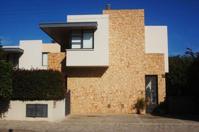Upper kyrenia villa photos north cyprus villa for Distinctive villas